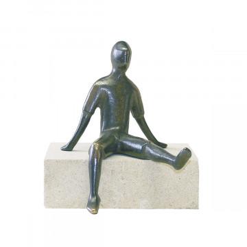 Figur, sitzend