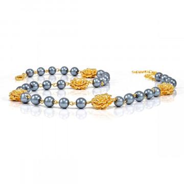 Perlen-Halskette mit Rosen Charms
